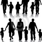 silhuetas-do-vetor-dos-pais-com-crianças-1190046