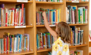 child-in-library-300x180
